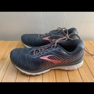 Women's Brooks Ghost 12 Running Shoes sz 7.5